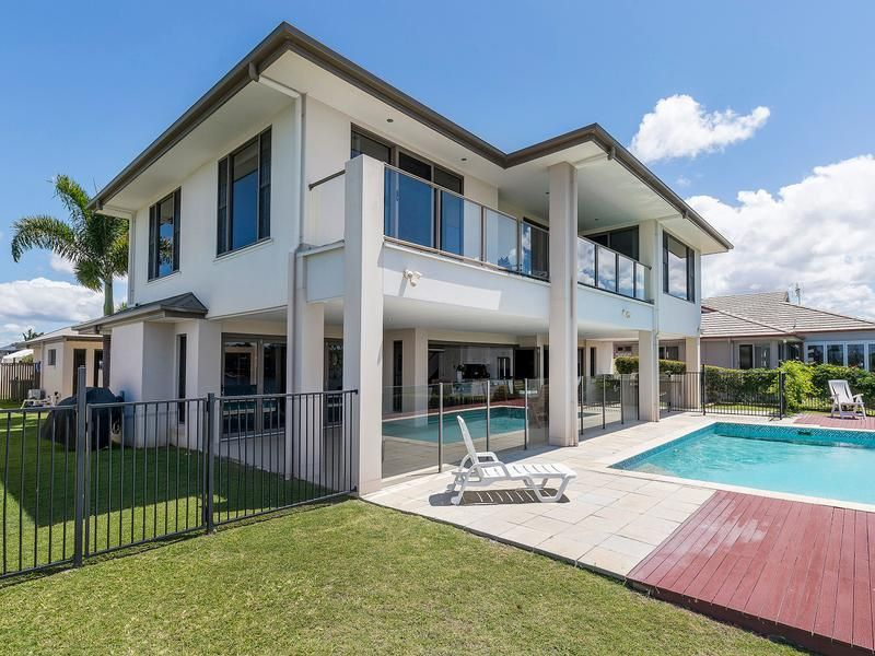 27 North Bank Court, Helensvale QLD 4212